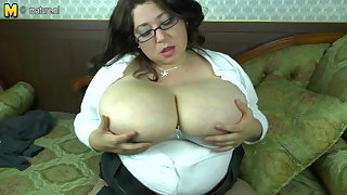 Spanish dam with chunky tits