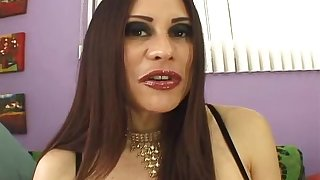 Nasty MILF Sheila Marie wants to detest porked apart from a chunk