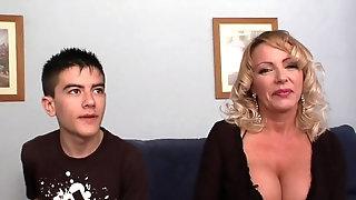 A true cougar club: Bibian's enormous bosoms Vs Jordi's head pornvideo
